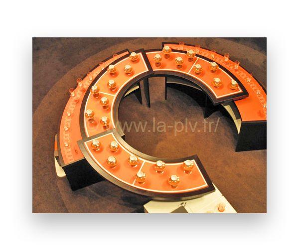 stand pour salon : stand en forme de cercles concentriques